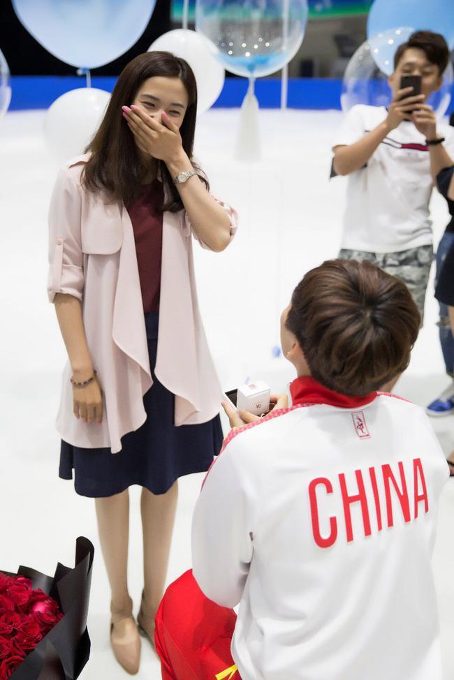 短道世界冠军韩天宇刘秋宏将大婚 求婚现场曝光