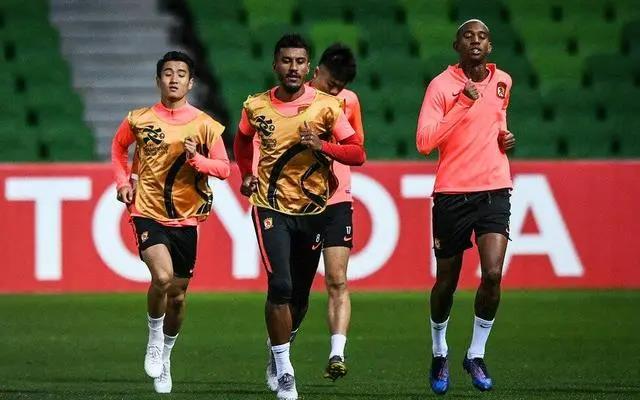国足将在迪拜与中超队踢热身赛 恒大也已约对手