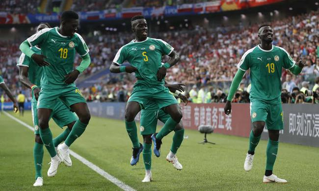 塞内加尔庆祝进球