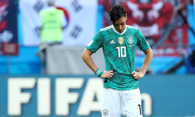 德足协:厄齐尔需为合影解释 勒夫决定他的未来