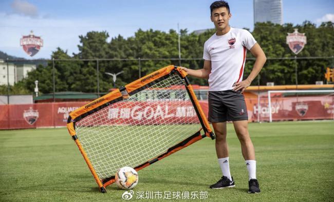 戴伟浚从小谨记家父教诲:留洋不是玩 要踢职业