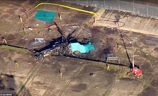 墜毀后的飛機殘骸