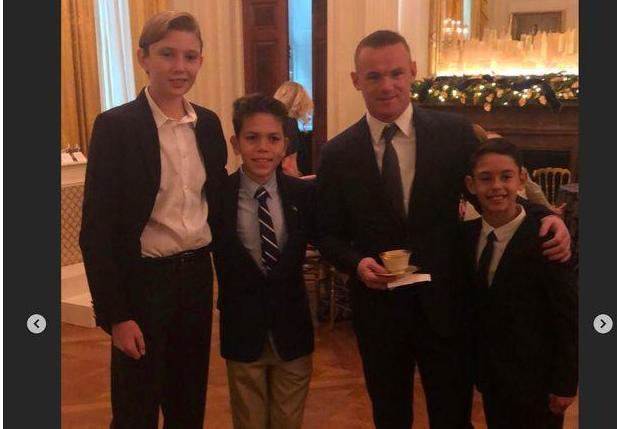 鲁尼一家赴白宫参添晚宴