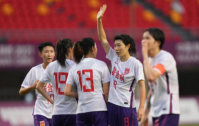 媒体人:推荐看女足联合队比赛 看是不是真枪实弹