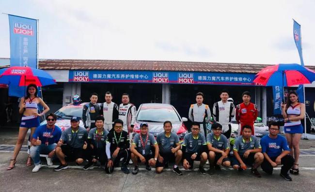 力魔基亞車隊泛珠夏季賽演追逐戰 頒獎臺一步之遙