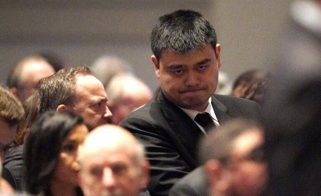 姚明现身美国前总统葬礼 他是史上最铁杆火蜜