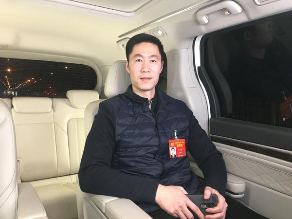 王励勤接受澎湃新闻专访。澎湃新闻记者 郑朝渊 图