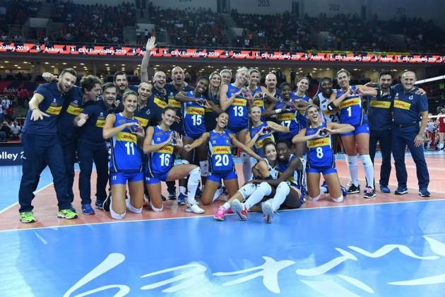意大利将正式恢复体育运动排球暂停五个月后回归