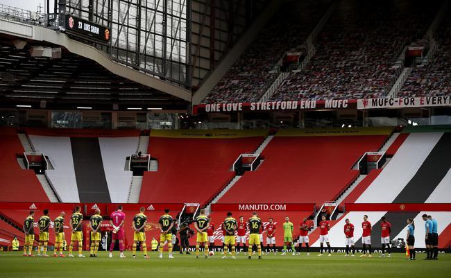 英超-马夏尔传射 拉什福德进球 曼联半场2-1反超