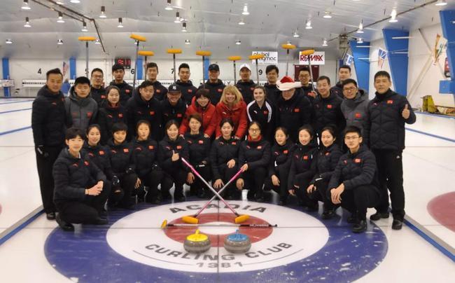 冰壶集训队加拿大外训