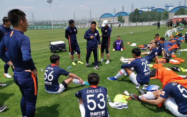 北京德比热身二番战!国安0-2负人和 遭对手复仇
