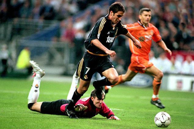欧冠决赛第一次同国内战