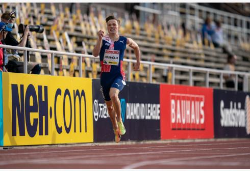 沃尔霍姆创400米栏历史第二成绩 差世界纪录0.09秒