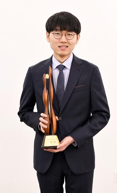 申真谞拉开韩国围棋新时代 半年收入301万人民币
