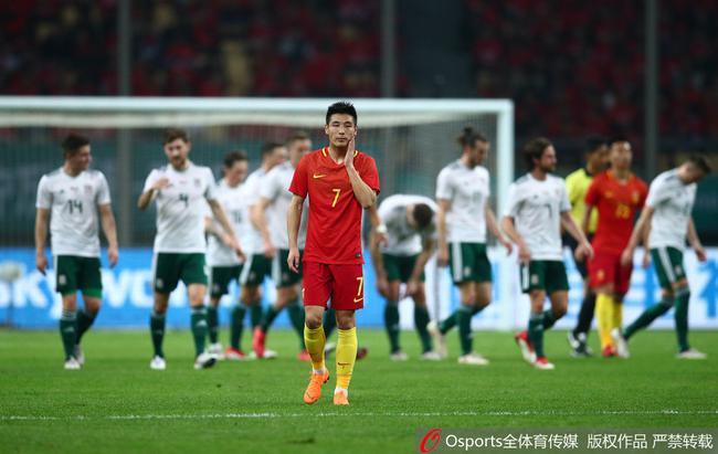 中国杯-惨案!国足0-6威尔士 贝尔戴帽于汉超中柱