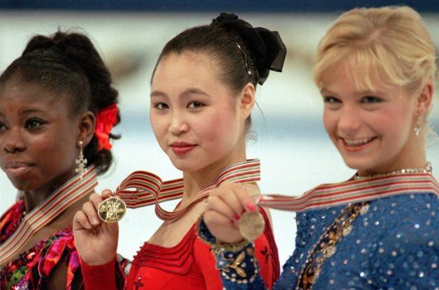 陈露曾为中国花样滑冰队拿到了第一枚世锦赛金牌。新华社发