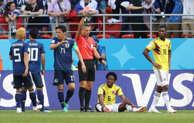 世界杯首张红牌 开场3分钟!日本对手手球+送点