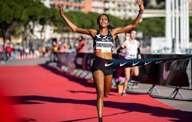 肯尼亚女将打破路跑5公里世界纪录 已手握两大纪录