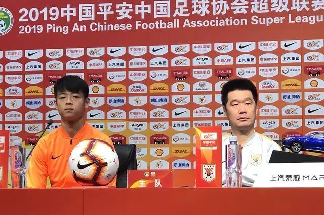 李霄鹏:战富力将有5到6人轮换 联赛要高于足协杯