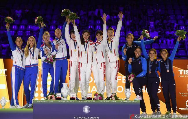 女重团体三夺世锦赛冠军