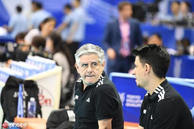 中国男排主教练洛萨诺