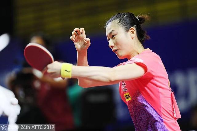 丁宁(中国体育)