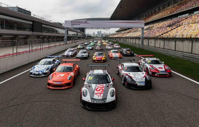 25台保时捷911 GT3 Cup 整装待发