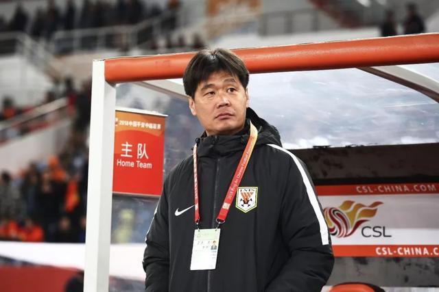 鲁能教练总结:李霄鹏最佳实至名归 助教各司其职