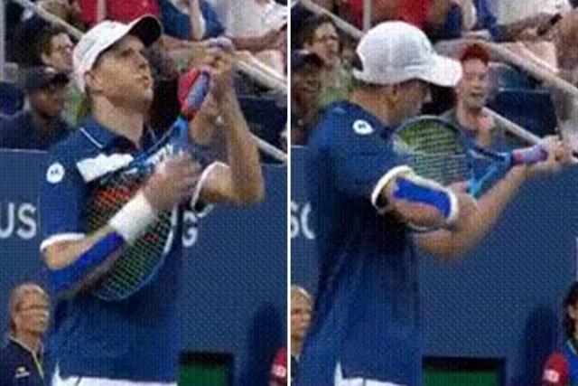 """迈克·布莱恩因在美国网球公开赛上做出""""持枪射击姿势"""""""