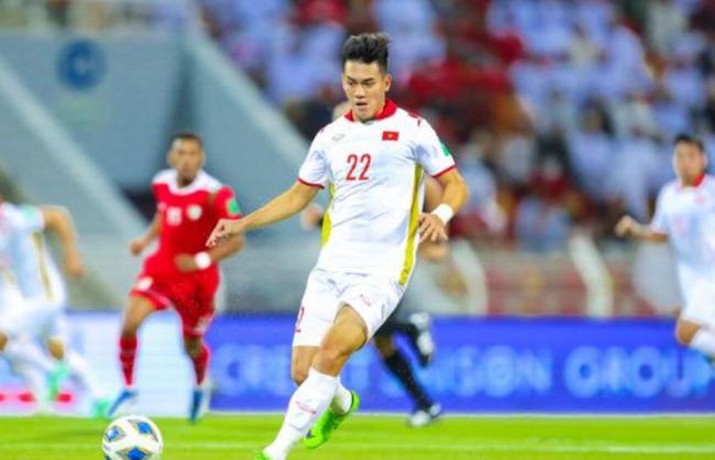 越南球员阮进灵高票当选亚足联12强赛周最佳球员
