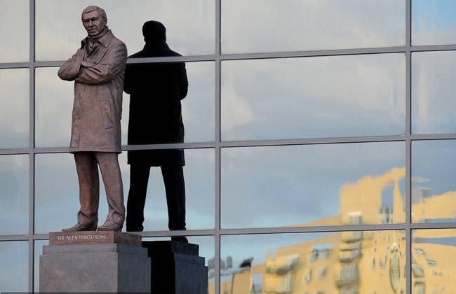 英国足球这些雕像保存状况比较益