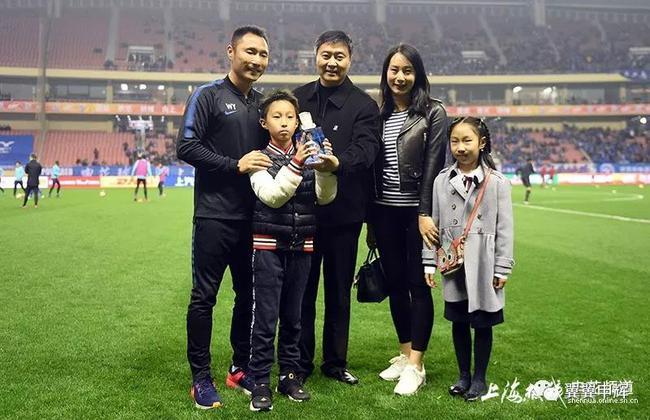 王赟:四十岁以后向主教练发展 儿子未来想效力申花