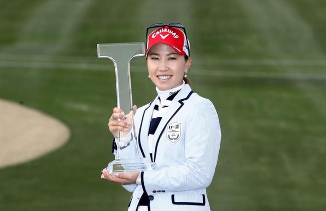 上田桃子赢得个人第14场女子日巡赛