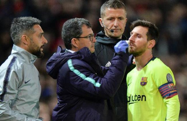 梅西带伤踢完了比赛