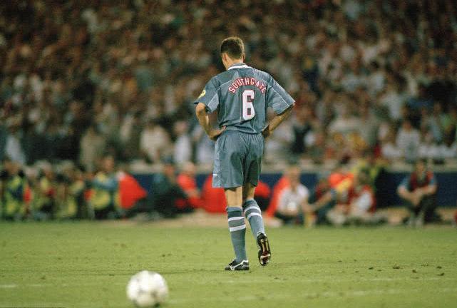 1996年欧洲杯索斯盖特罚丢关键点球