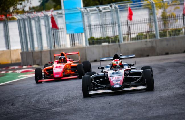 国际汽联F4中国锦标赛进行练习赛