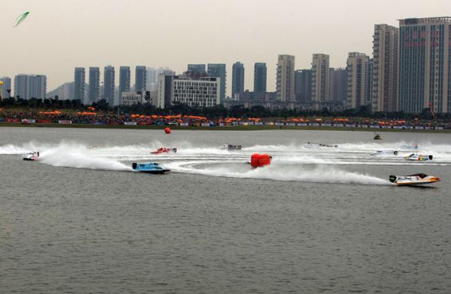 2010年深圳大奖赛场景――F1H2O依托强大的媒体传播影响力使得深圳更具国际影响力