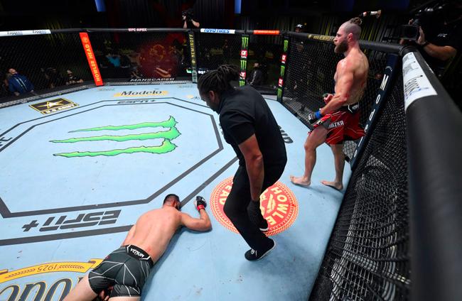 UFC格斗之夜:雷耶斯VS普罗哈兹卡赛事综述
