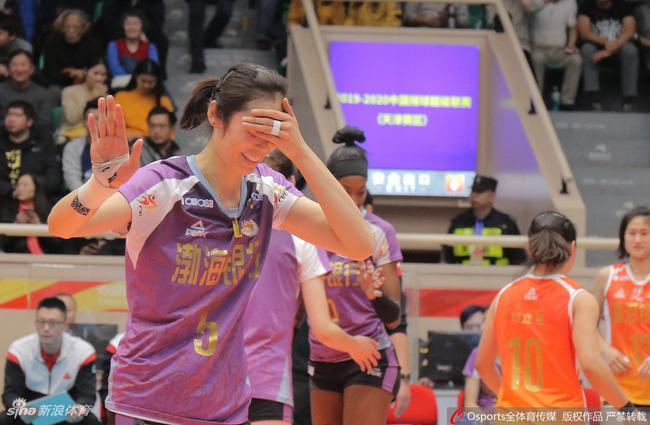 揭秘|朱婷化身教练为队友支招 场上她都说了啥?