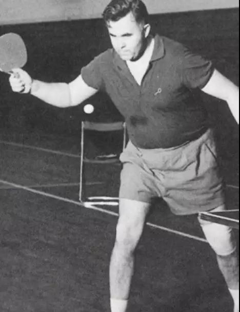 1949年第16届世乒赛,在西多的带领下,匈牙利队夺回了男团冠军