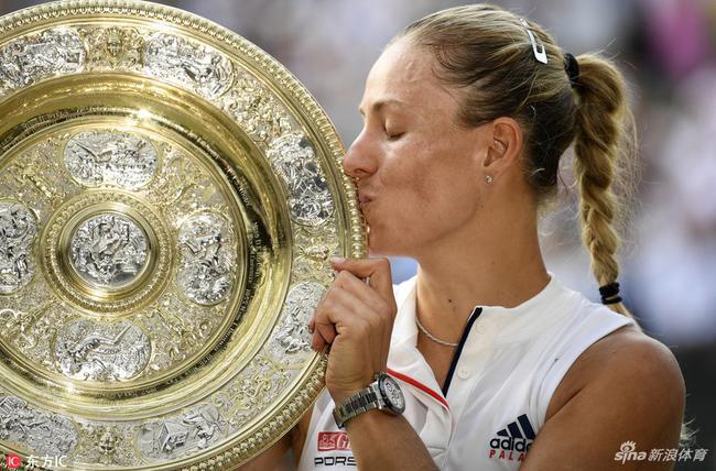 科娃阿扎发推祝贺科贝尔夺冠