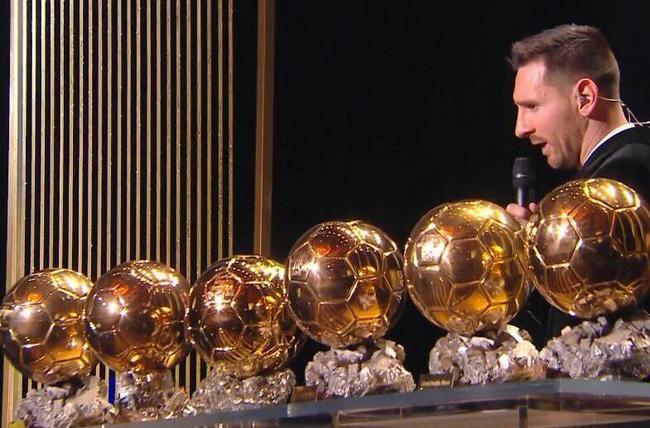 加媒:梅西金球数超C罗才公平 他