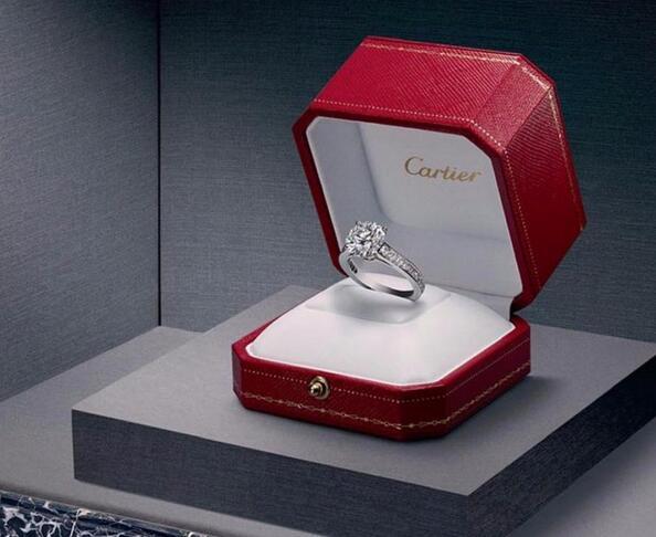 卡地亚订婚戒指