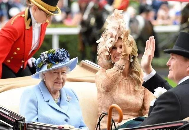 女王与荷兰王后