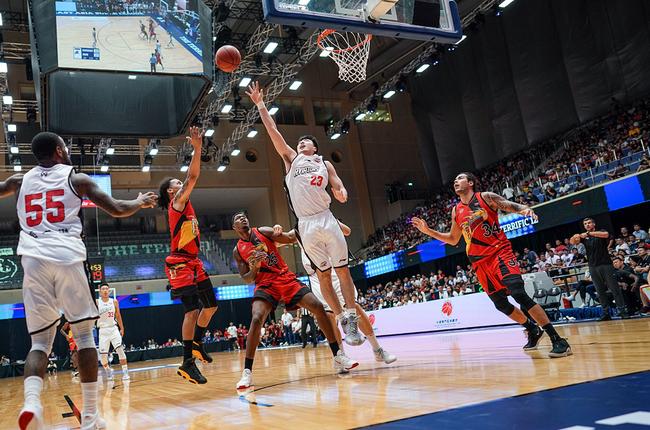 晨曦专栏:时光是一场遇见篮球是一场相逢