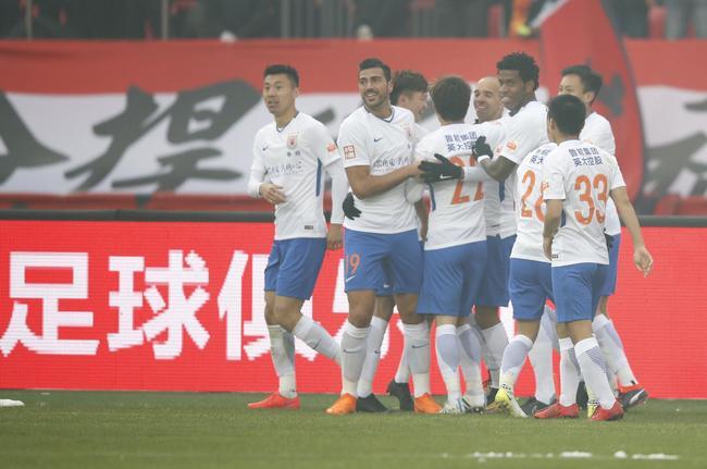 中超-塔神梅开二度 鲁能客场2-1胜华夏取三连胜