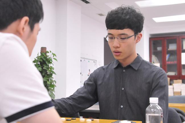 赵晨宇:快棋看状态 连笑:不在乎排名只想赢棋