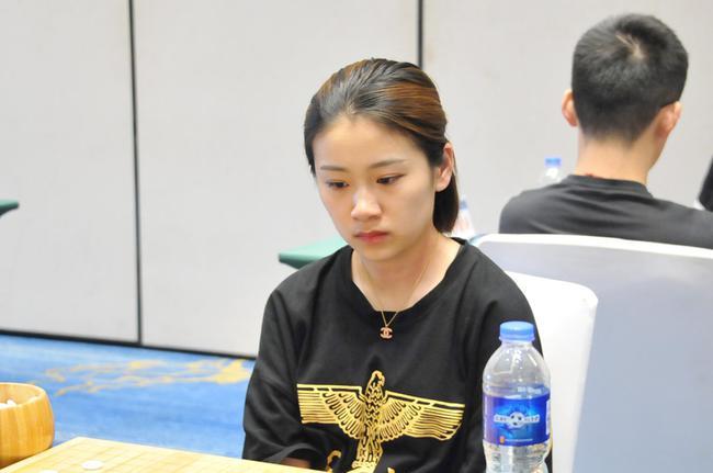 2018年围棋个人赛男子组第10轮 於之莹对阵王泽锦