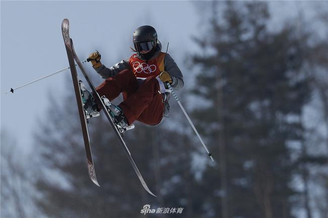 解放式滑雪U型场地世界杯崇礼站张可欣夺冠