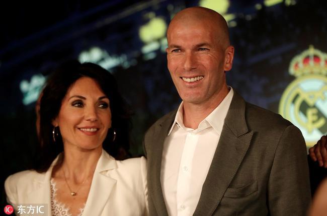 齐达内跟妻子
